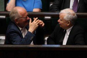 PO chce, by prokuratura zbadała wpływ Jarosława Kaczyńskiego na decyzję Rady Mediów Narodowych ws. odwołania Jacka Kurskiego z funkcji prezesa TVP. Na zdjęciu prezes PiS i szef RMN Krzysztof Czabański.