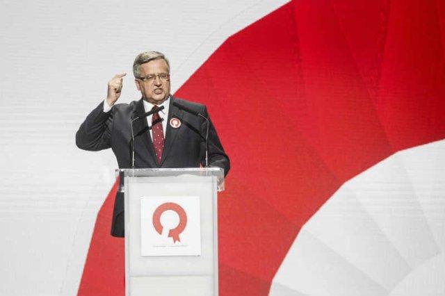 Sztab Komorowskiego pozwolił, aby debatę prezydencją prowadziło dwoje konserwatywnych dziennikarzy.