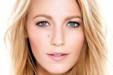 Blake Lively w nowej kampanii Skin Perfection L'Oreal Paris