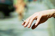 Nikotynizm to wbrew wszelkim pozorom jeden z niewielu nałogów, w którym trudno w Polsce znaleźć właściwą pomoc.