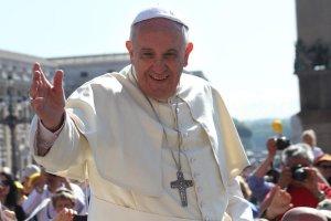 Papież Franciszek chce rozwiązania kryzysu migracyjnego.