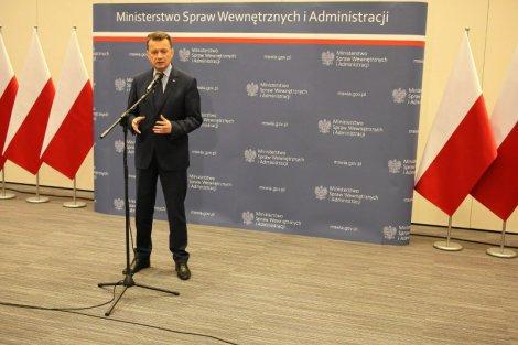Szef MSWiA Mariusz Błaszczak: Nie ma informacji o zagrożeniu terrorystycznym w Polsce.