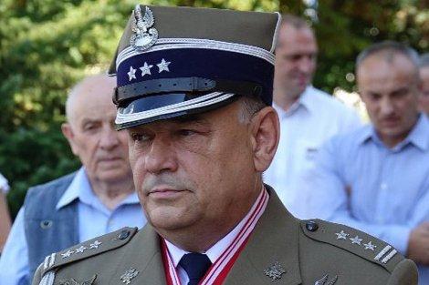 Płk Adam Mazguła dla naTemat: Jeżeli władza przekroczy granice, to wojsko może kiedyś stanąć w obronie konstytucji