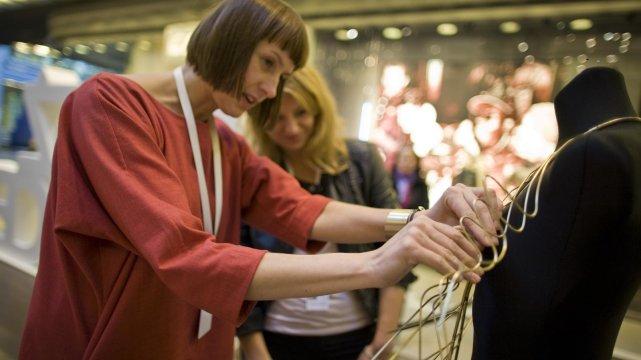 Prowadząca warsztat projektowania biżuterii, Anna Orska.