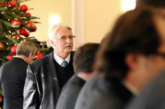 Brat ministra Witolda Waszczykowskiego Tomasz został bez konkursu szefem Urzędu Kontroli Skarbowej w Łodzi.