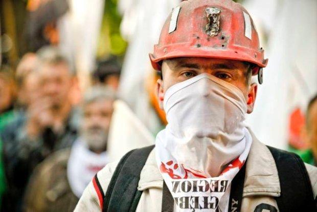 PiS jest o włos od naprawdę poważnych kłopotów z największymi związkami zawodowymi. Gorąco robi się wśród górników, którzy czują się oszukani wyborczymi obietnicami i wśród liderów, którzy liczyli na większy wpływ na władzę.