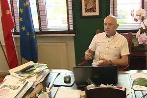 Burmistrz Szczecinka nie będzie odpowiadał na głupie pytania.