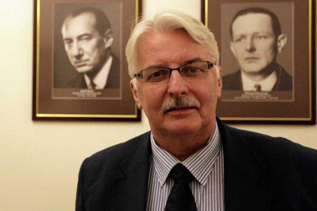 Minister Waszczykowski  udzielając wywiadu zapewne nie spodziewał się takiej reakcji internautów w Polsce.