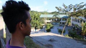 Szkoła do której chodził Antonio znajduje się kilkadziesiąt metrów od jego domu.