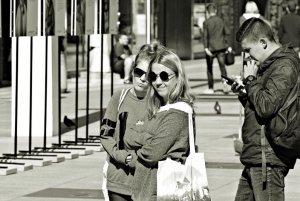 93 proc. mieszkańców Warszawy deklaruje zadowolenie z życia.