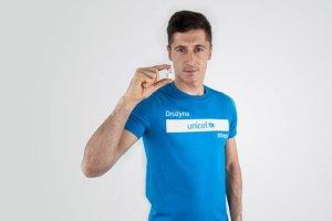 Robert Lewandowski zachęca internautów do zakupu szczepionek dla dzieci z Nepalu