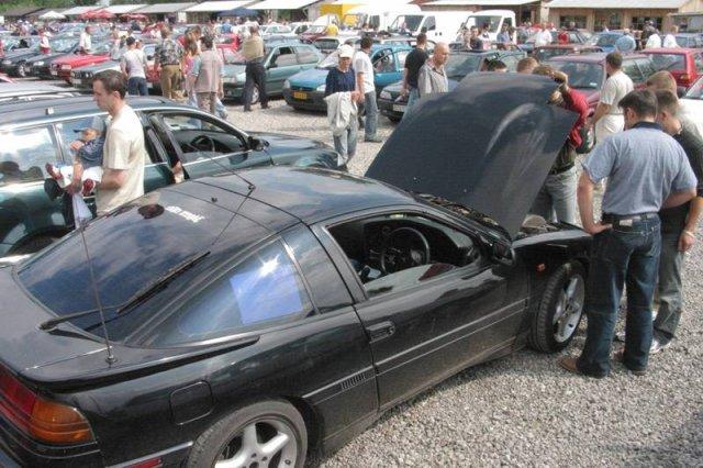 W używanych i sprowadzonych autach uważaj na cofnięte liczniki. Jak rozpoznać cofnięty licznik?