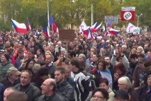 Praga, protesty przeciwko przyjmowaniu uchodźców.