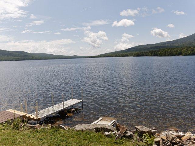 Okolice Dannemora w parku stanowym Adirondack - olbrzymim, o dawnej tradycji ochrony przyrody.