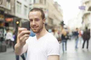 Smartfony, tablety i mobilny internet wyeliminowały z naszego życia nudę. Zjawisko Smart Boredom staje się w Polsce powszechne.