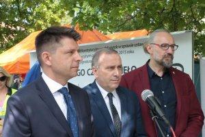 Koalicja ugrupowań opozycji podoba się Polaków bardziej niż PiS.