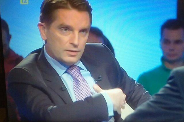 """W """"Tomasz Lis na żywo"""" o problemie uchodźców. Zawisza: Polscy żołnierze nie ucinali głów"""
