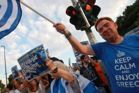 Greckie referendum to szopka? Bruksela zapewnia, że i tak pomoże Atenom