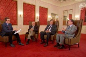 Amerykańscy kongresmeni podczas briefingu w ambasadzie USA w Warszawie.