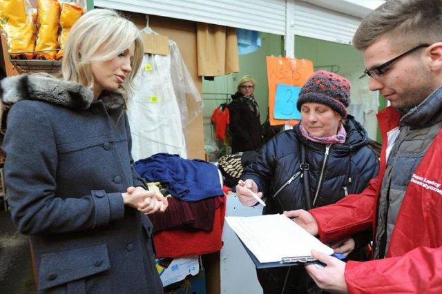 Magdalena Ogórek spotkała się dziś z wyborcami w Łodzi. To początek kampanii bezpośredniej. Nadal jednak nie chce rozmawiać z dziennikarzami.