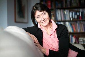 Ewa Woydyłło-Osiatyńska, dziś jeden z czołowych polskich terapeutów, swoją przygodę z psychologią rozpoczęła dopiero w wieku 45 lat