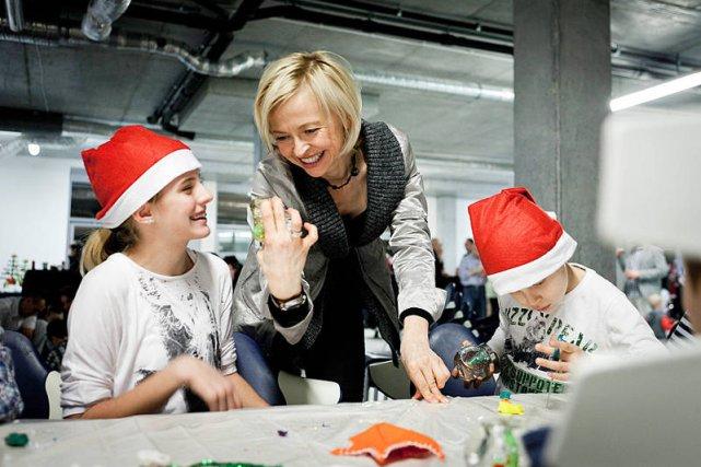 Z okazji Mikołajek w siedzibie marki Sitag drzwi stają otworem dla dzieci. Na zdjęciu Małgorzata Wardecka-Tuliszka.