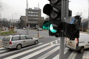 W Warszawie ZDM będzie likwidował zielone strzałki na skrzyżowaniach.