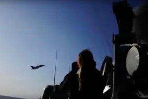 Rosyjski samolot lecący nad Bałtykiem.