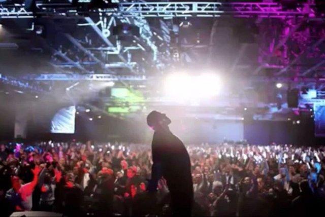 Tony Robbins porywa tłumy