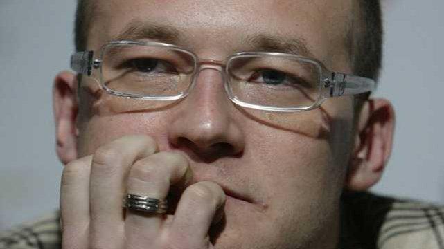 """Bartek Prokopowicz na Plus Camerimage podczas konferencji prasowej z twórcami filmu """"Korowód"""" w reżyserii Jerzego Stuhra"""